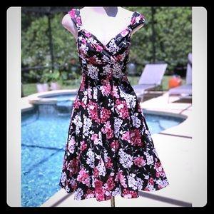 WHBM Blk w pnk/wht flowers fit+flare dress sz 12